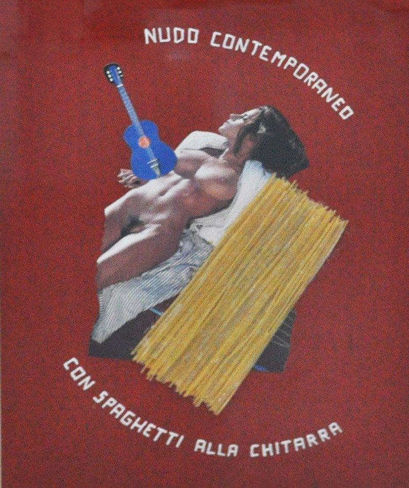 Nudo contemporaneo con spaghetti alla chitarra