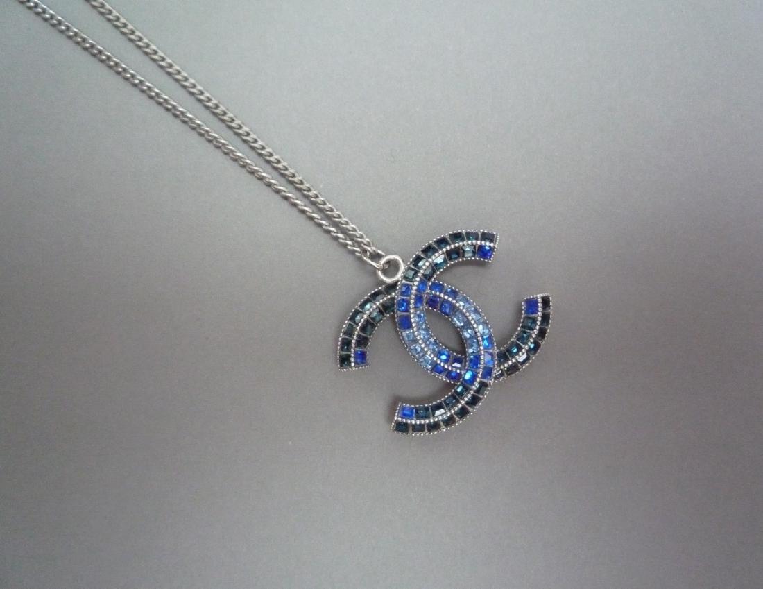 CHANEL COLLIER chaîne (Chanel) en métal argenté