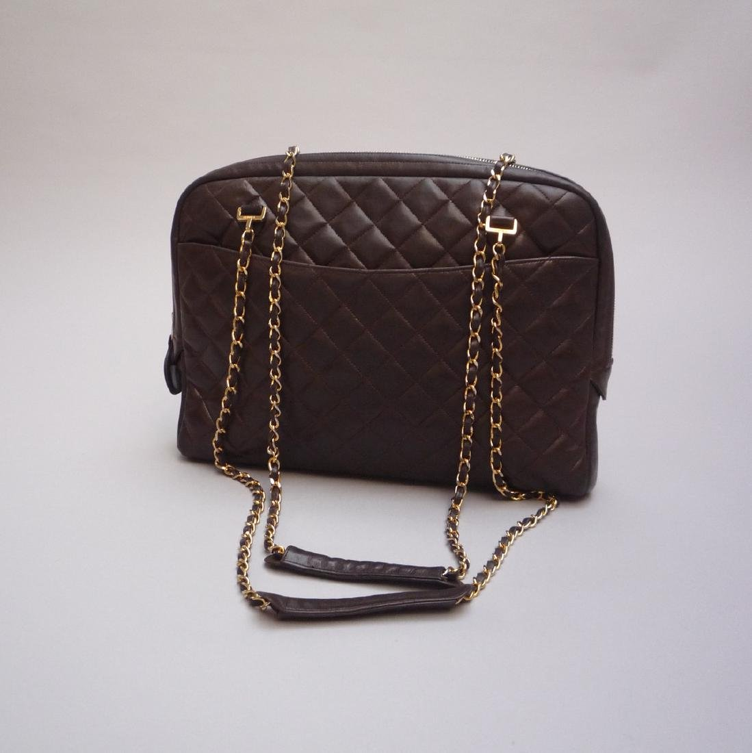 CHANEL  GRAND SAC en cuir matelassé chocolat - Double