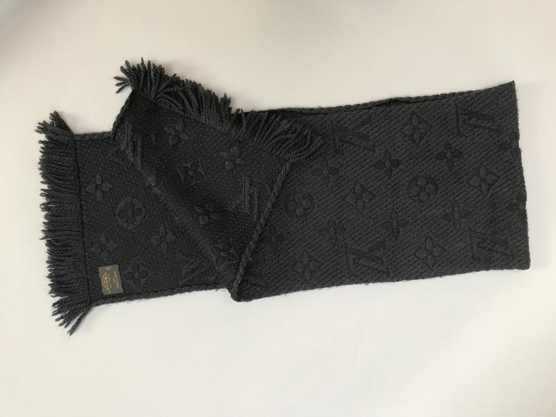 LOUIS VUITTON ECHARPE grise en laine et soie à décor du - 2