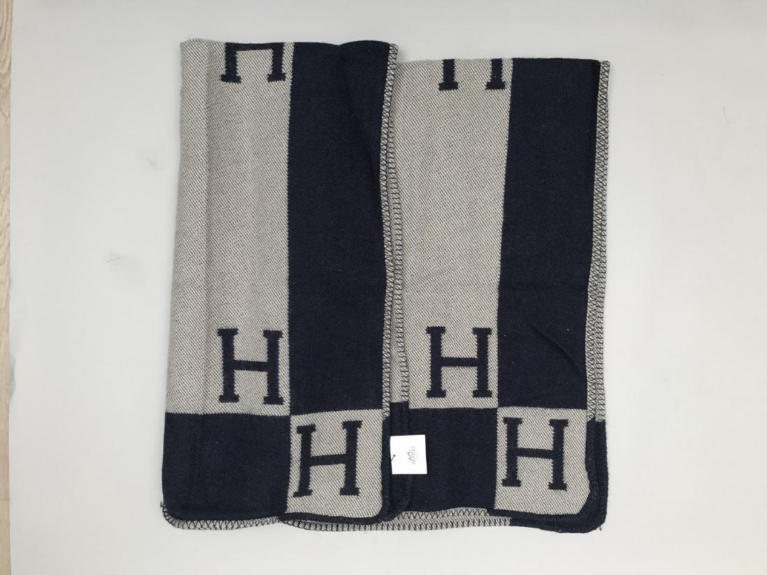 """HERMES PARIS PLAID en laine et cachemire """"H """". - 4"""