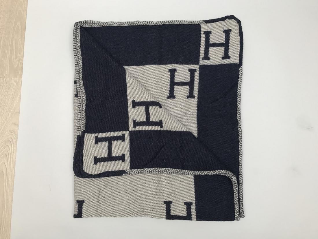 """HERMES PARIS PLAID en laine et cachemire """"H """". - 5"""