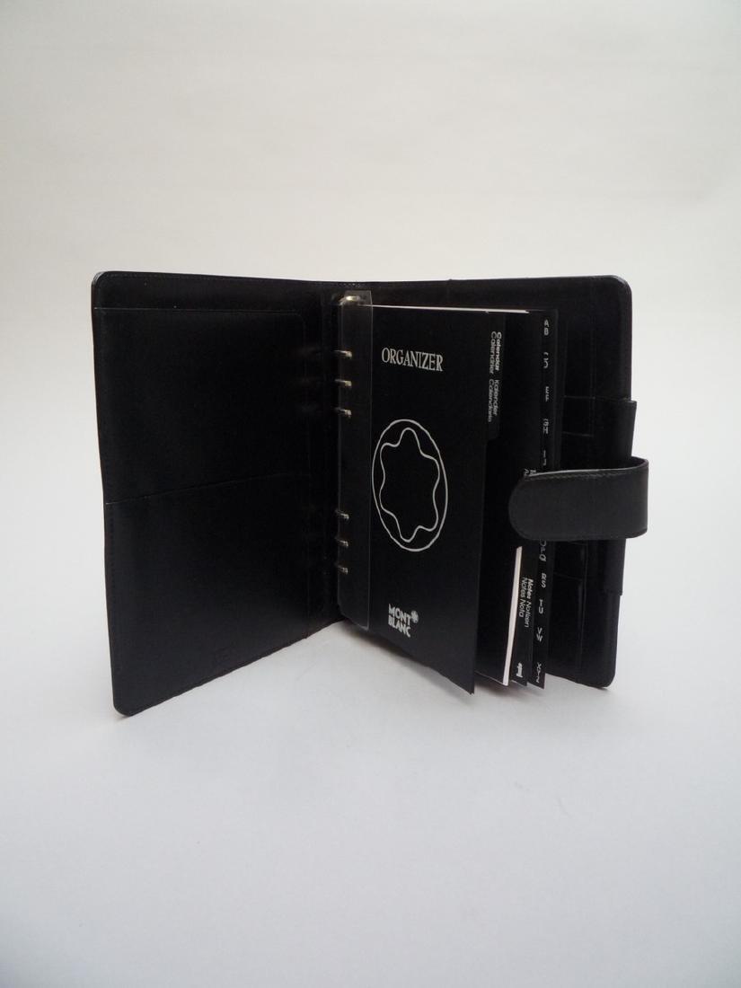 MONTBLANC COUVERTURE D'AGENDA en cuir lisse noir. 24 x - 2
