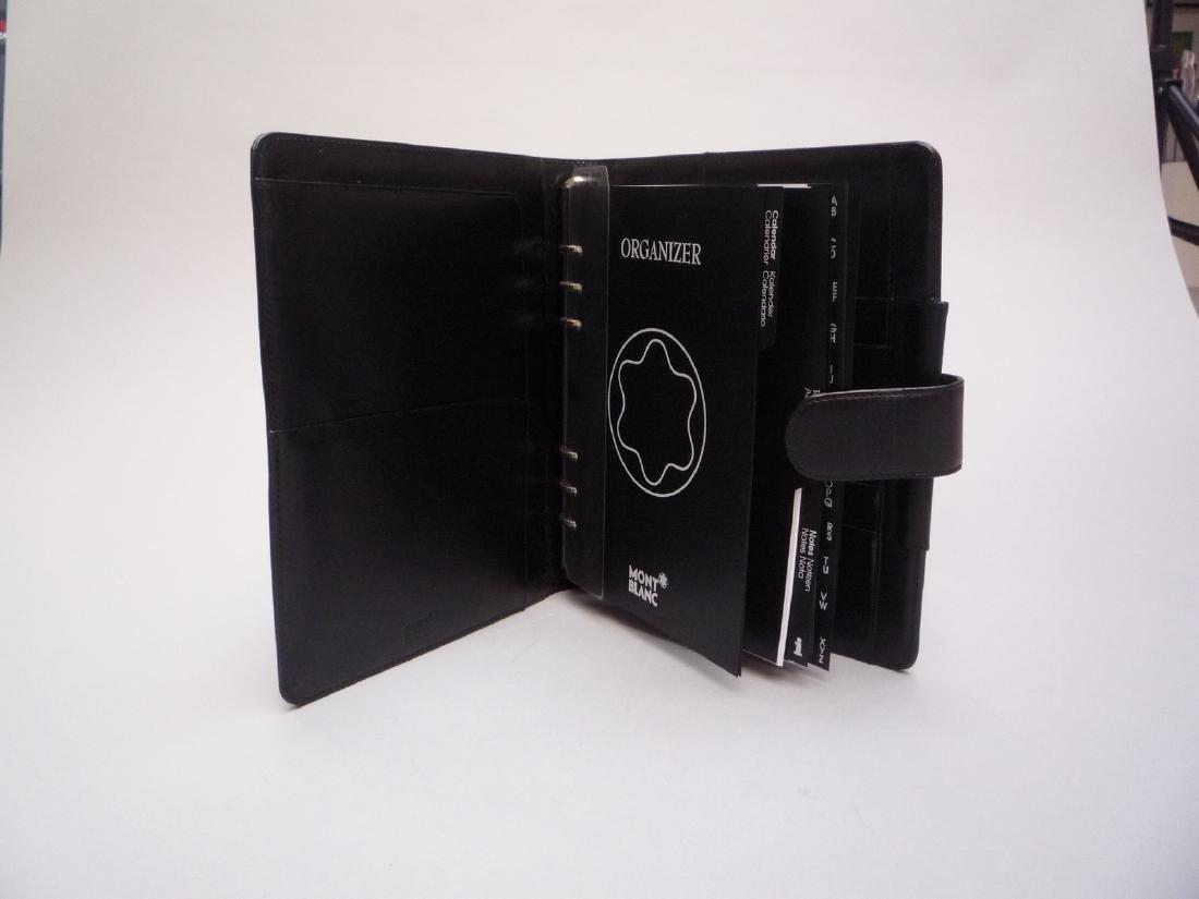 MONTBLANC COUVERTURE D'AGENDA en cuir lisse noir. 24 x - 3