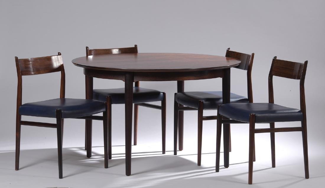 ARNE VODDER (1926-2009)  Modèle 204  Table et une