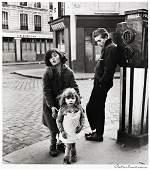 ROBERT DOISNEAU (1912-1994) Le Enfants de la Place