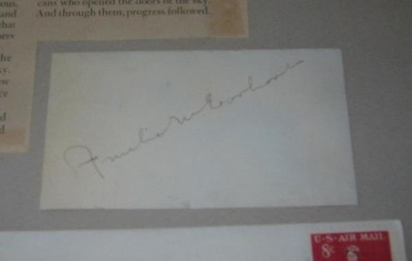 2058016: (AVIATION.) EARHART, AMELIA. Signature, on a s