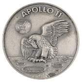 2073119: FLOWN Apollo 11 Robbins Medallion. Approximate