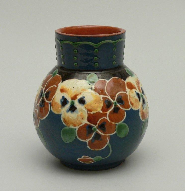 Glamorous Bohemian Art Nouveau Jugendstil Iridescent Glass Tall Vase Antiques