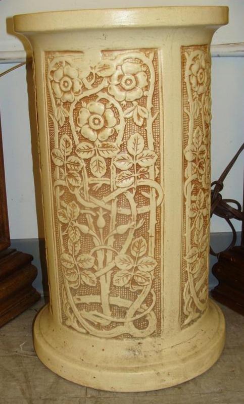 Weller Pedestal for Jardinière in the Ivory Pattern. Au