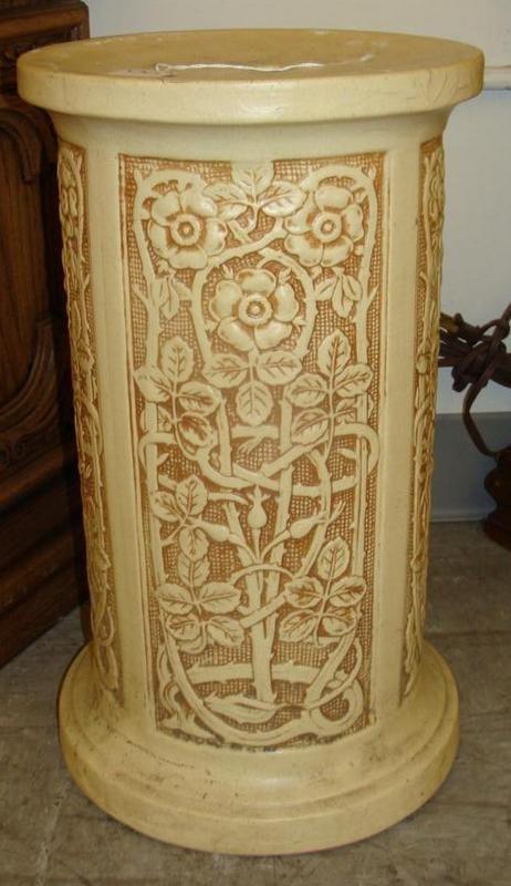 Weller Pedestal for Jardinière in the Ivory Pattern. Au - 3