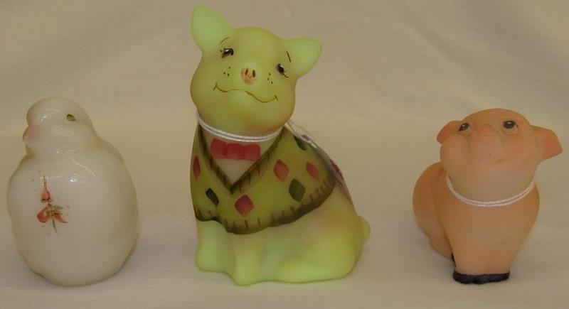 3pcs Fenton Art Glass: Burmese Hand Painted Pig, An Art