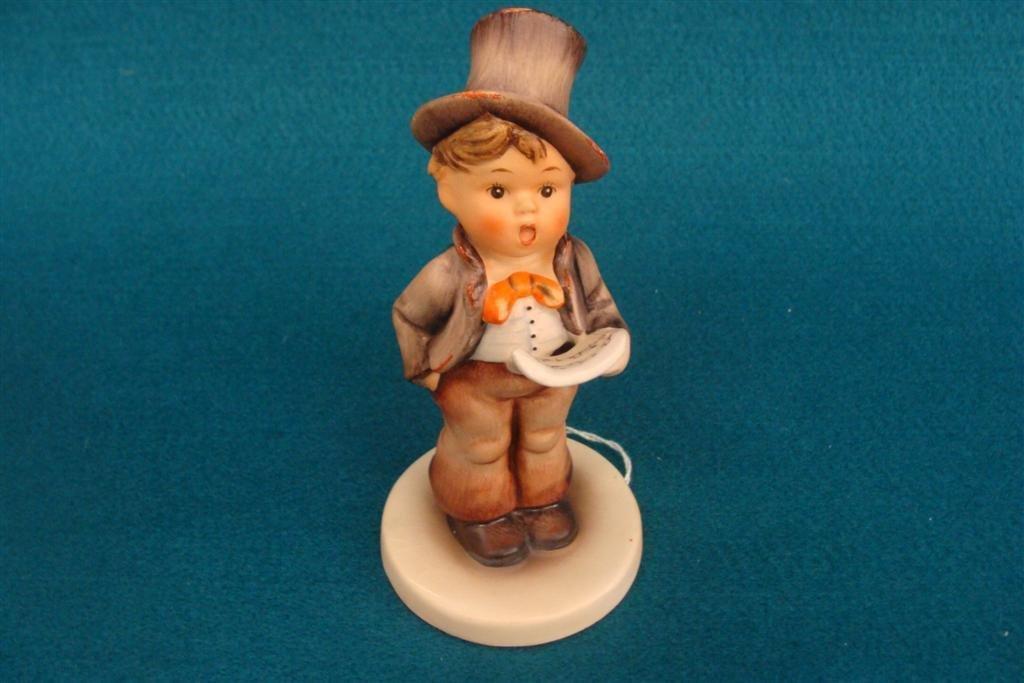 Hummel Figurine: Street Singer; #131; TM 2; Book Value