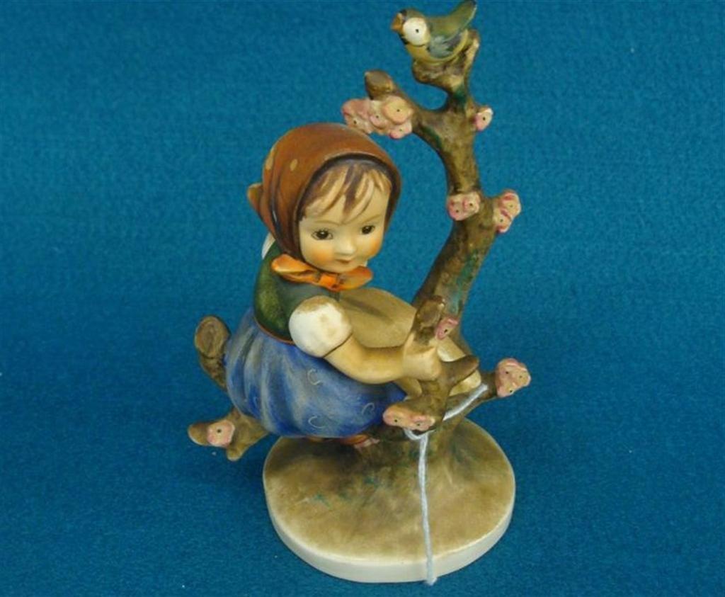 Hummel Figurine: Apple Tree Girl; #141 /1; TM 3; Book