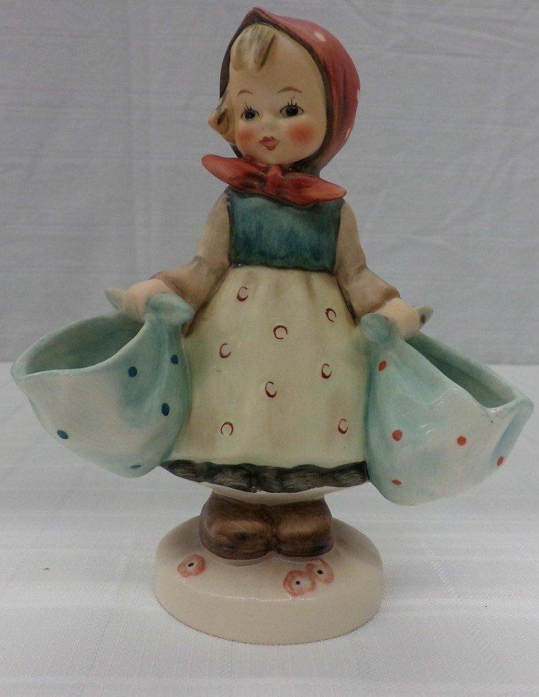 Hummel Figurine: Mothers Darling; #175; TM 5. Book