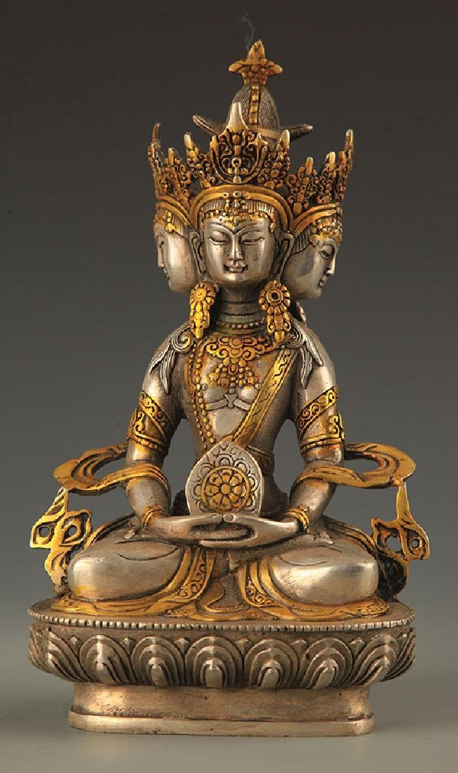 A FINE TIBETAN MAHA-VAIROCANA BUDDHA STATUE