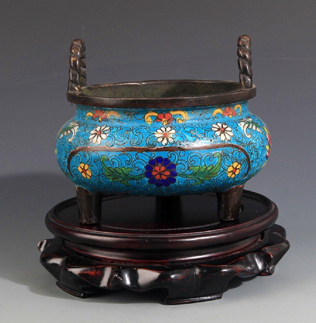 A FINELY CARVED CLOISONNÉ ENAMEL BRONZE CENSER