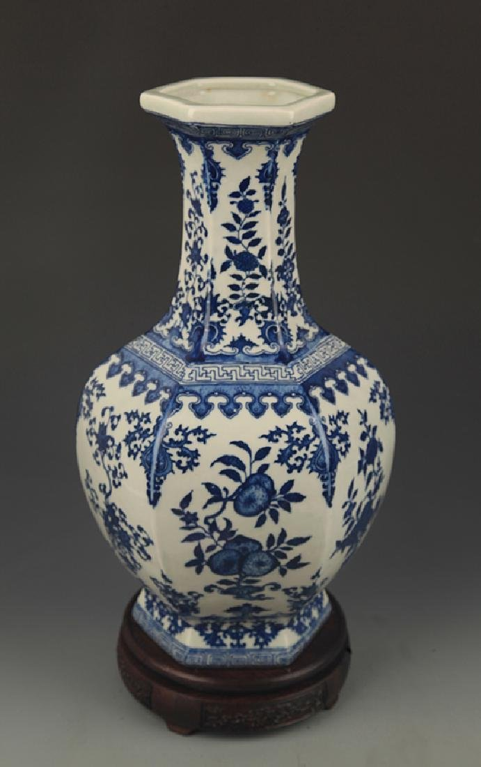 BLUE AND WHITE FLOWER PATTERN SIX SIDE VASE