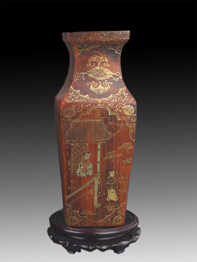 A GILT LACQUERED FEMALE PATTERN WOOD VASE
