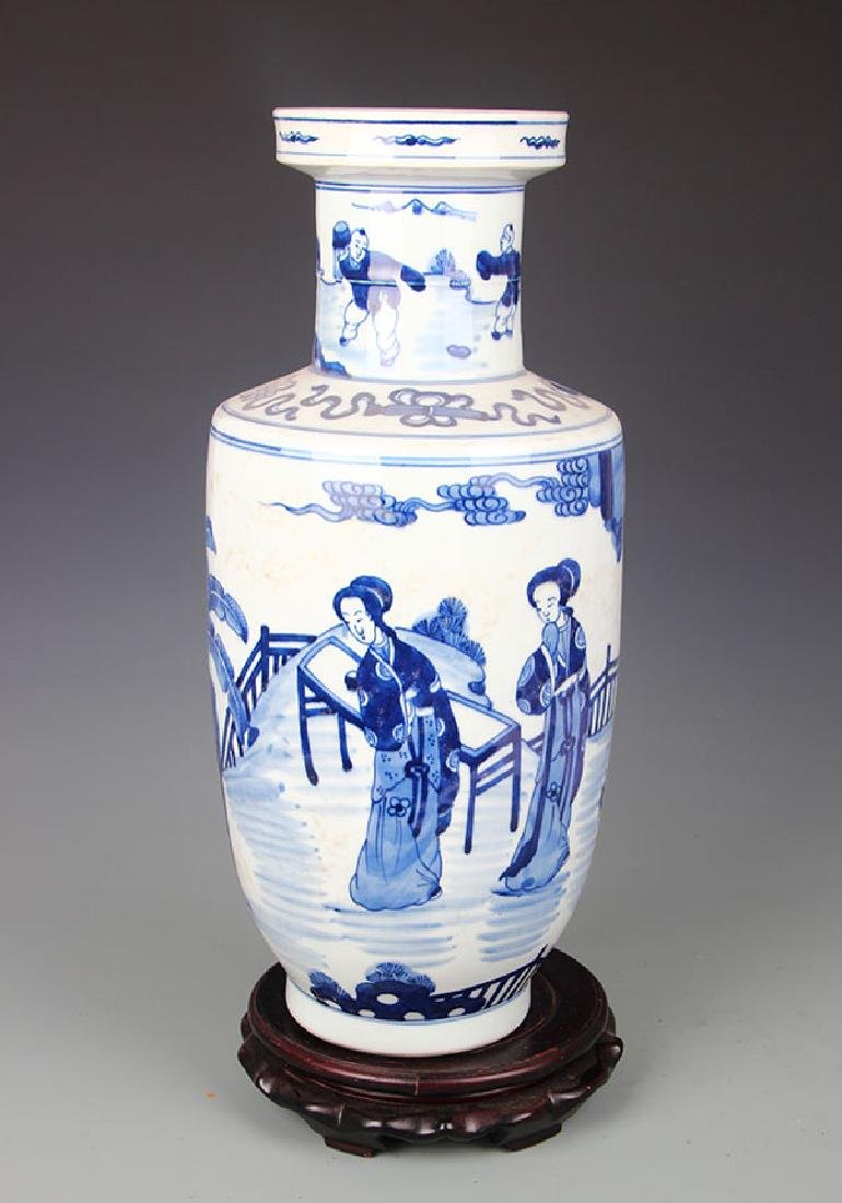 BLUE AND WHITE STORY PAINTED PORCELAIN VASE