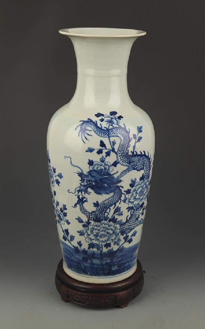BLUE AND WHITE PEONY FLOWER PAINTED PORCELAIN VASE