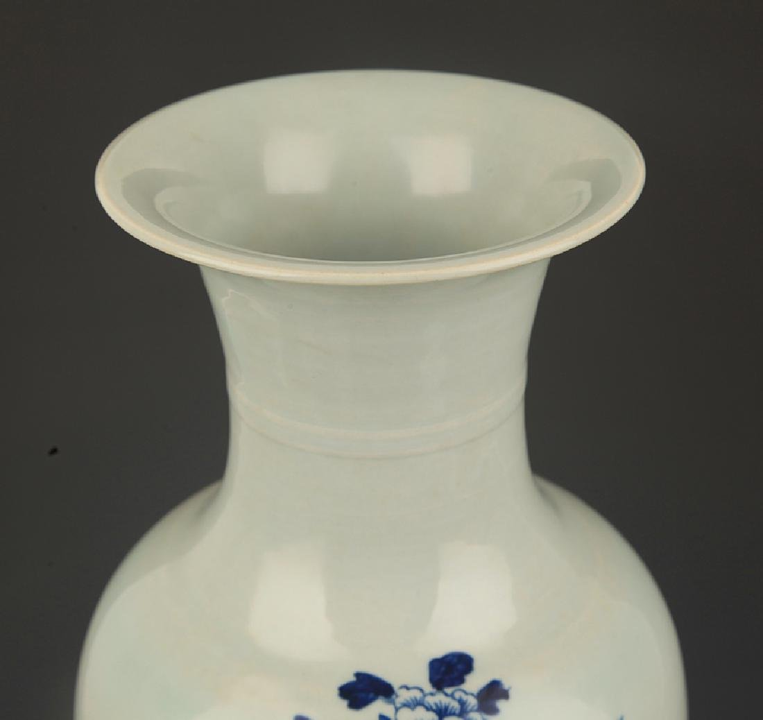 BLUE AND WHITE PEONY FLOWER PAINTED PORCELAIN VASE - 2