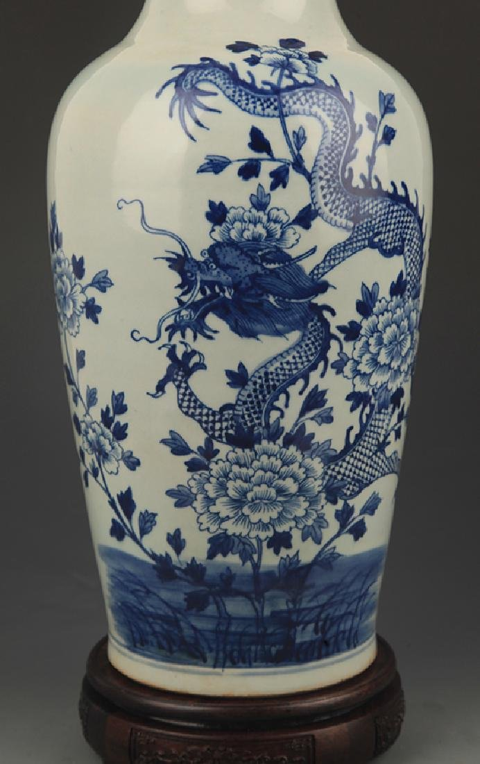 BLUE AND WHITE PEONY FLOWER PAINTED PORCELAIN VASE - 3