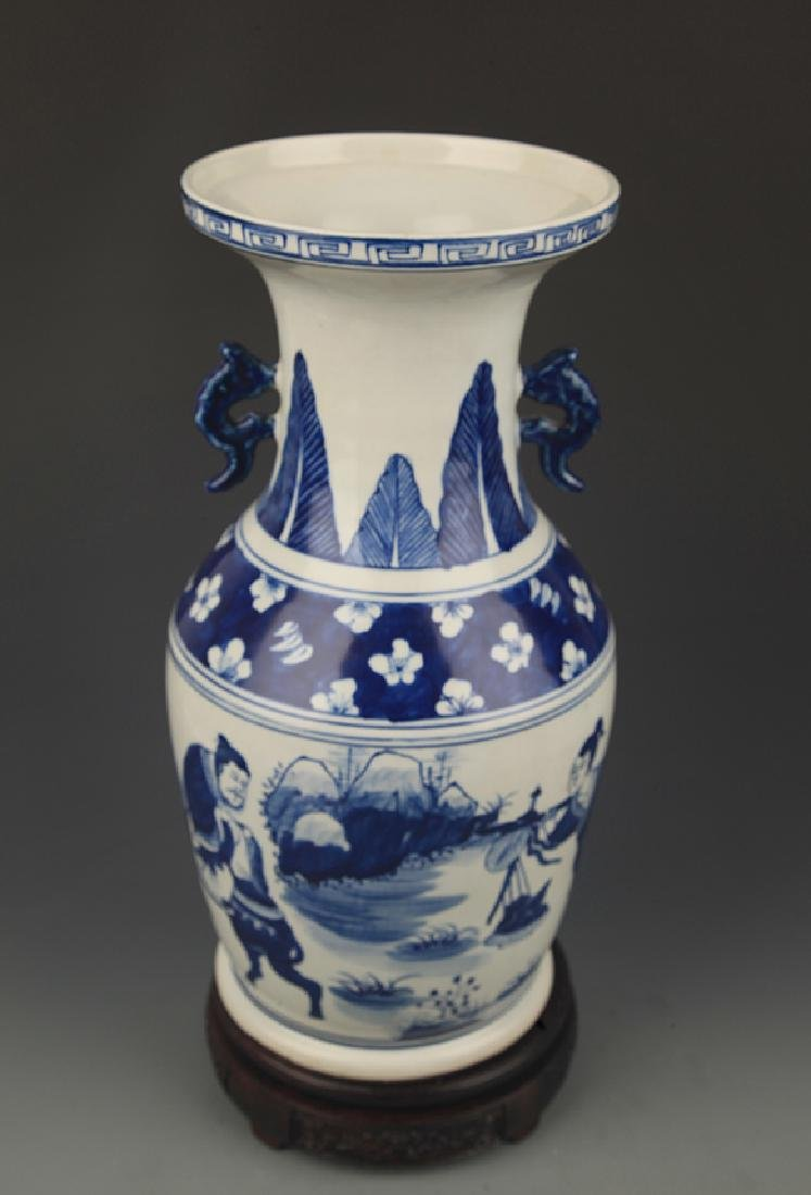 BLUE AND WHITE STORY PAINTED WIDE TOP PORCELAIN VASE