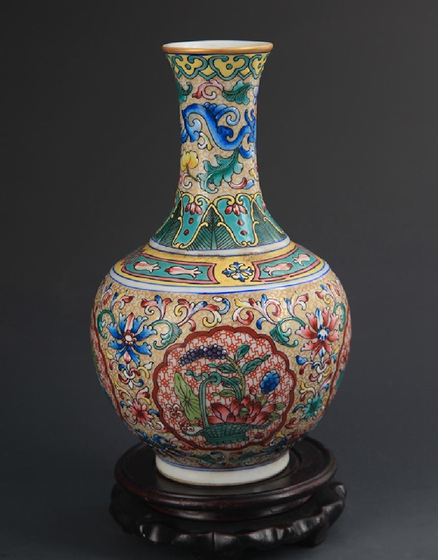 FAIENCE COLOR LOTUS PATTERN DECORATION VASE