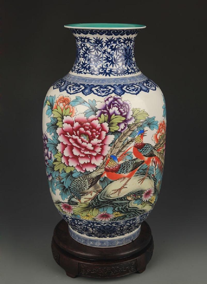 BLUE AND WHITE FAMILLE ROSE PEONY FLOWER VASE