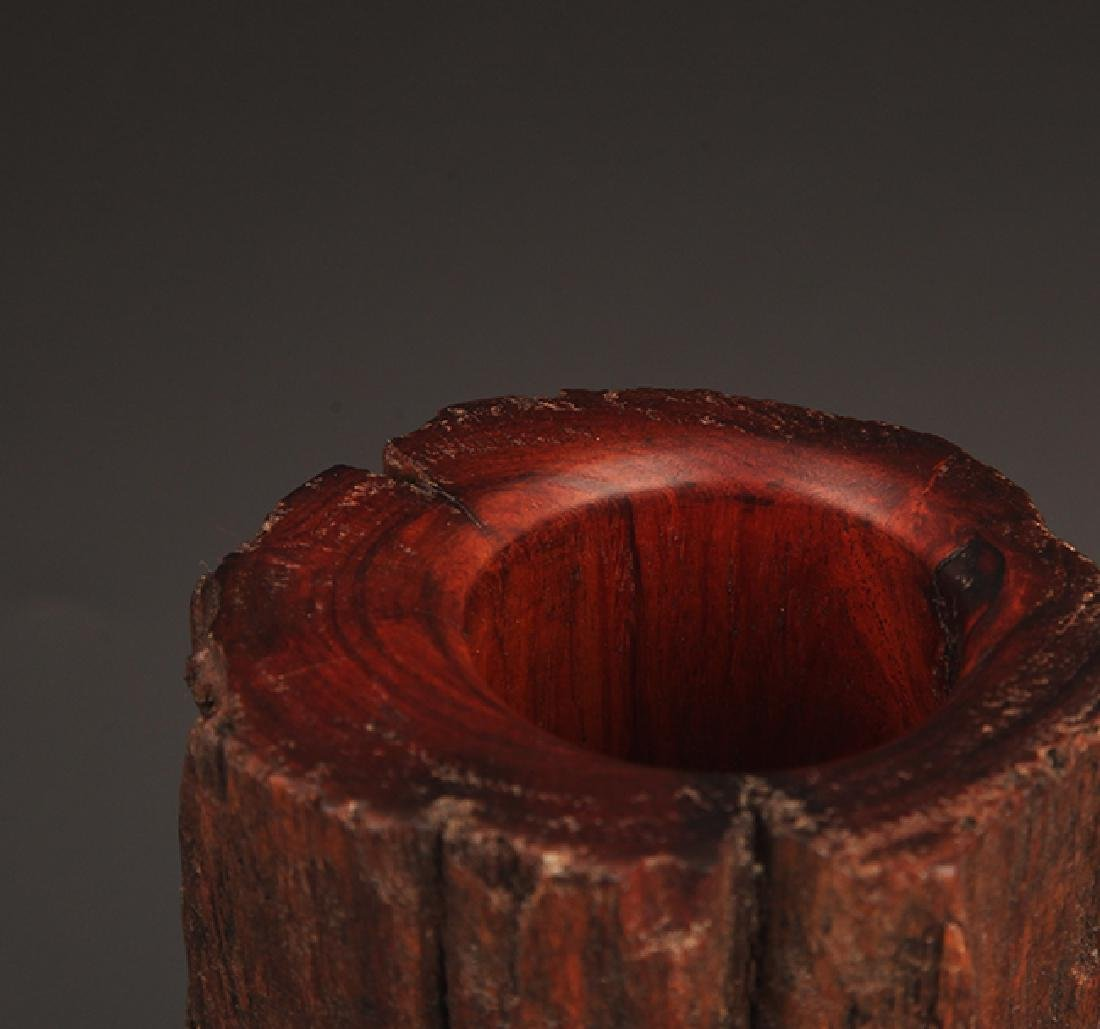A FINELY CARVED WOOD BRUSH HOLDER - 5
