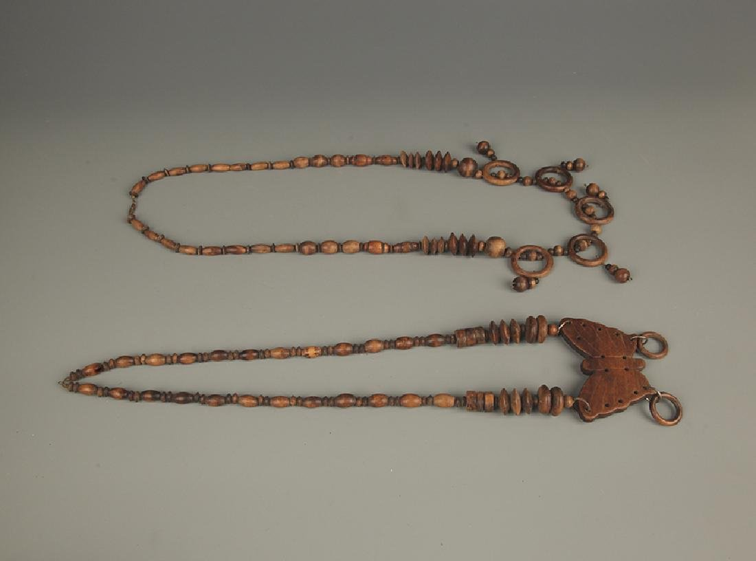 PAIR OF AGARWOOD NECKLACE