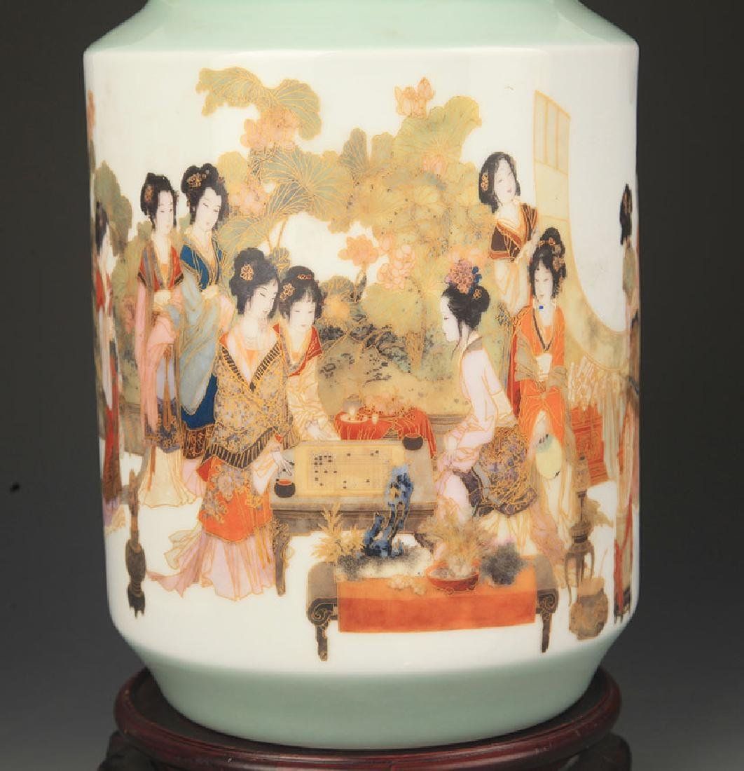 FAMILLE ROSE TWELEVE FEMALE PATTERN VASE - 3