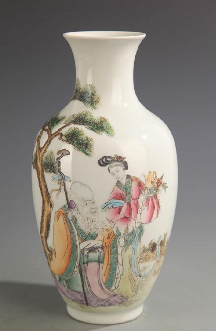 A FINE FEMALE PAINTING FAMILLE ROSE VASE