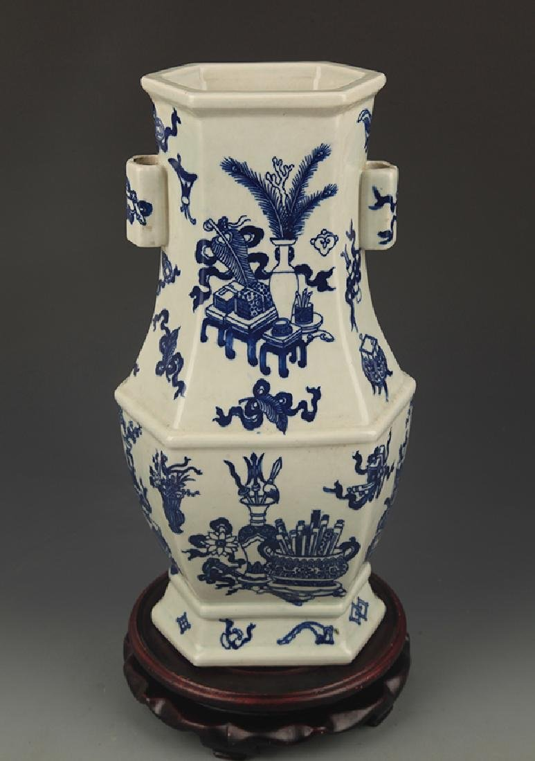 BLUE AND WHITE FLOWER PAINTED SIX SIDE VASE