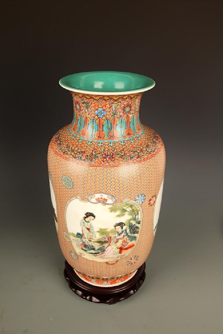 FAMILLE ROSE WITH TURQUOISE GROUND DECORATION JAR - 8