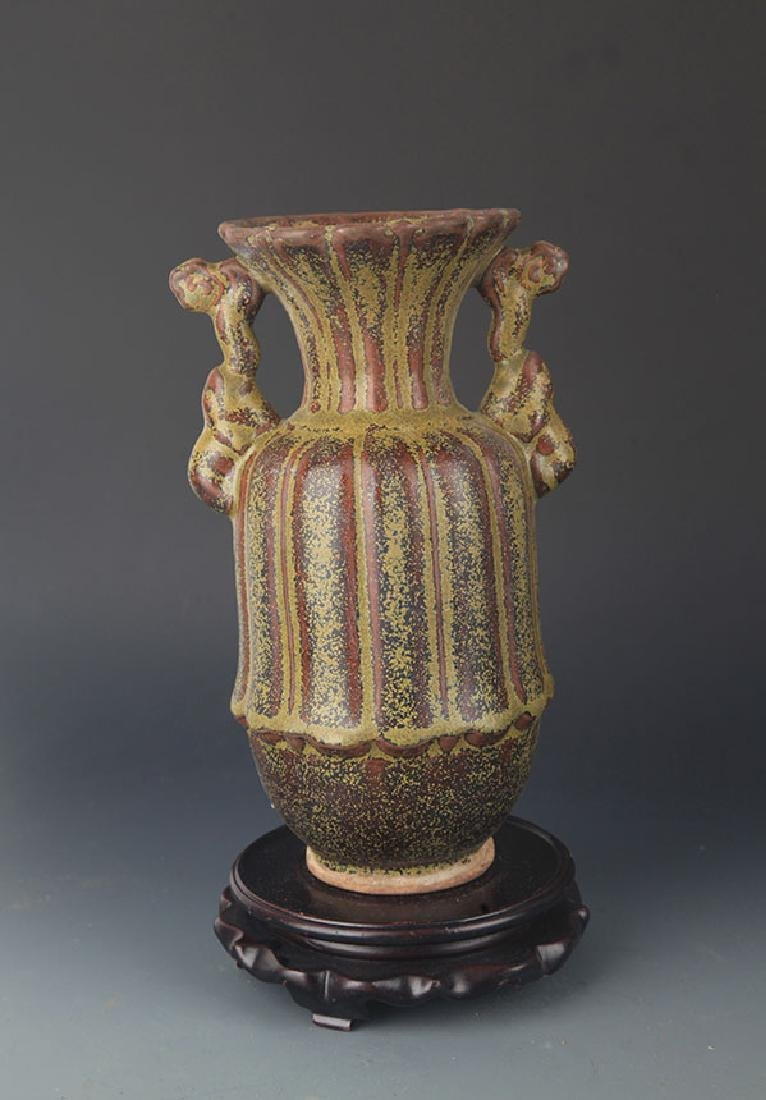 A TEA COLOR GLAZED PORCELAIN VASE - 3