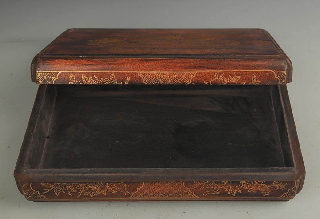 A GILT LACQUER HAPPINESS WOODEN BOX WITH COVER - 3