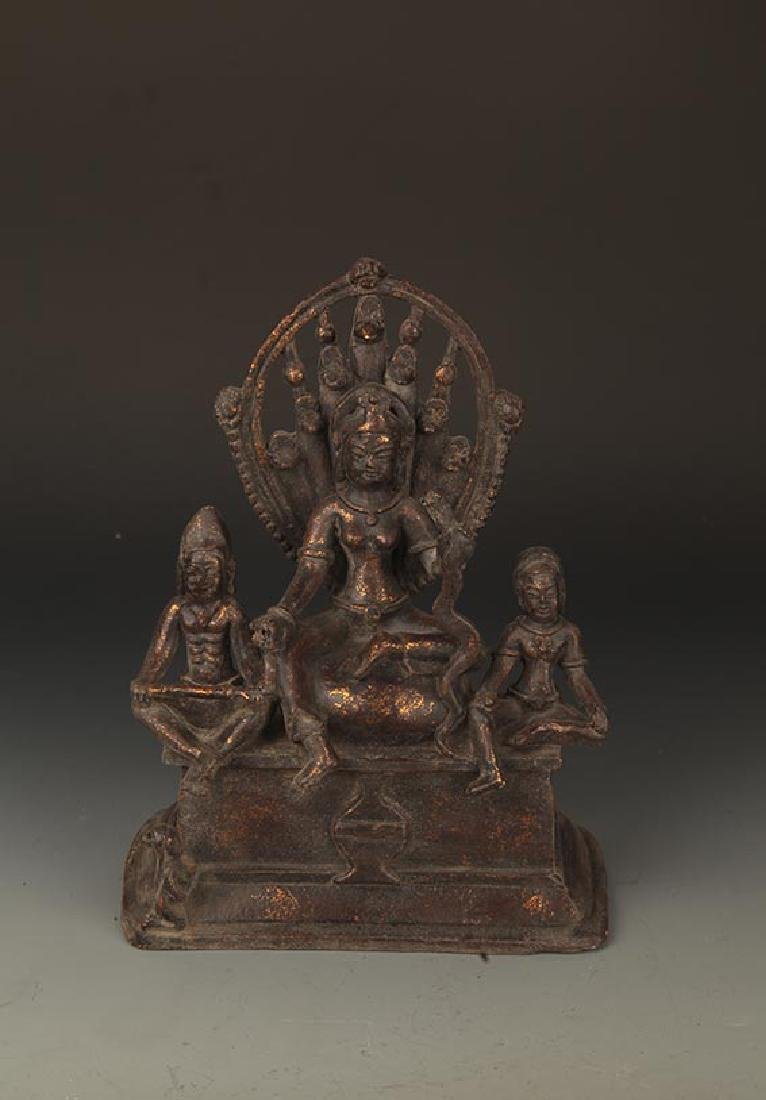 A FINELY CARVED THREE BRONZE BUDDHA FIGURE