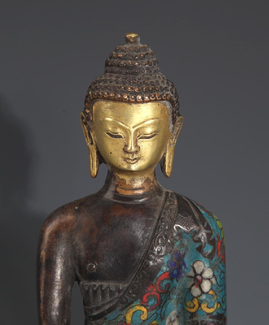A FINE AND COLORFUL BRONZE BUDDHA - 2