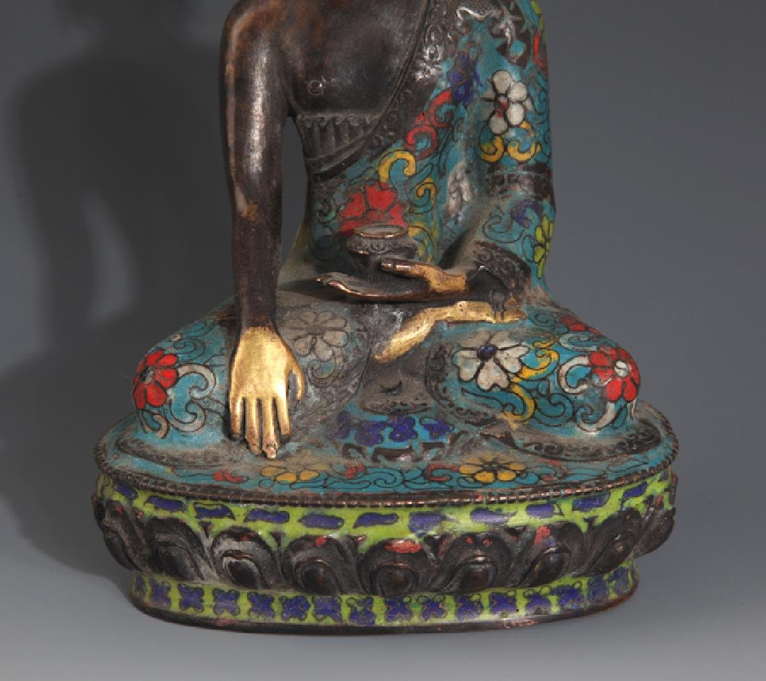 A FINE AND COLORFUL BRONZE BUDDHA - 3