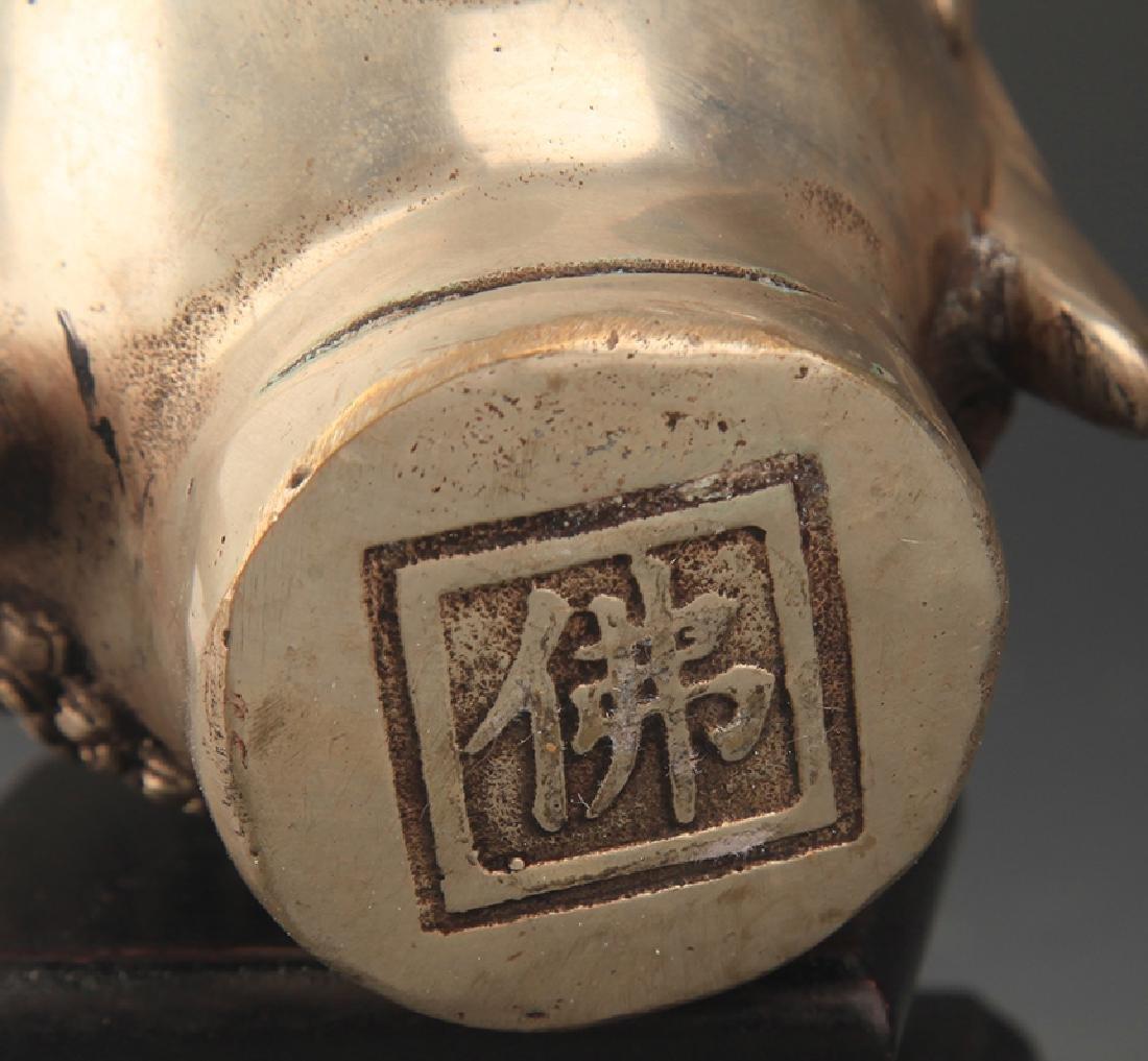 A FINELY CARVED BRONZE AKSHOBHYA BUDDHA HEAD - 3