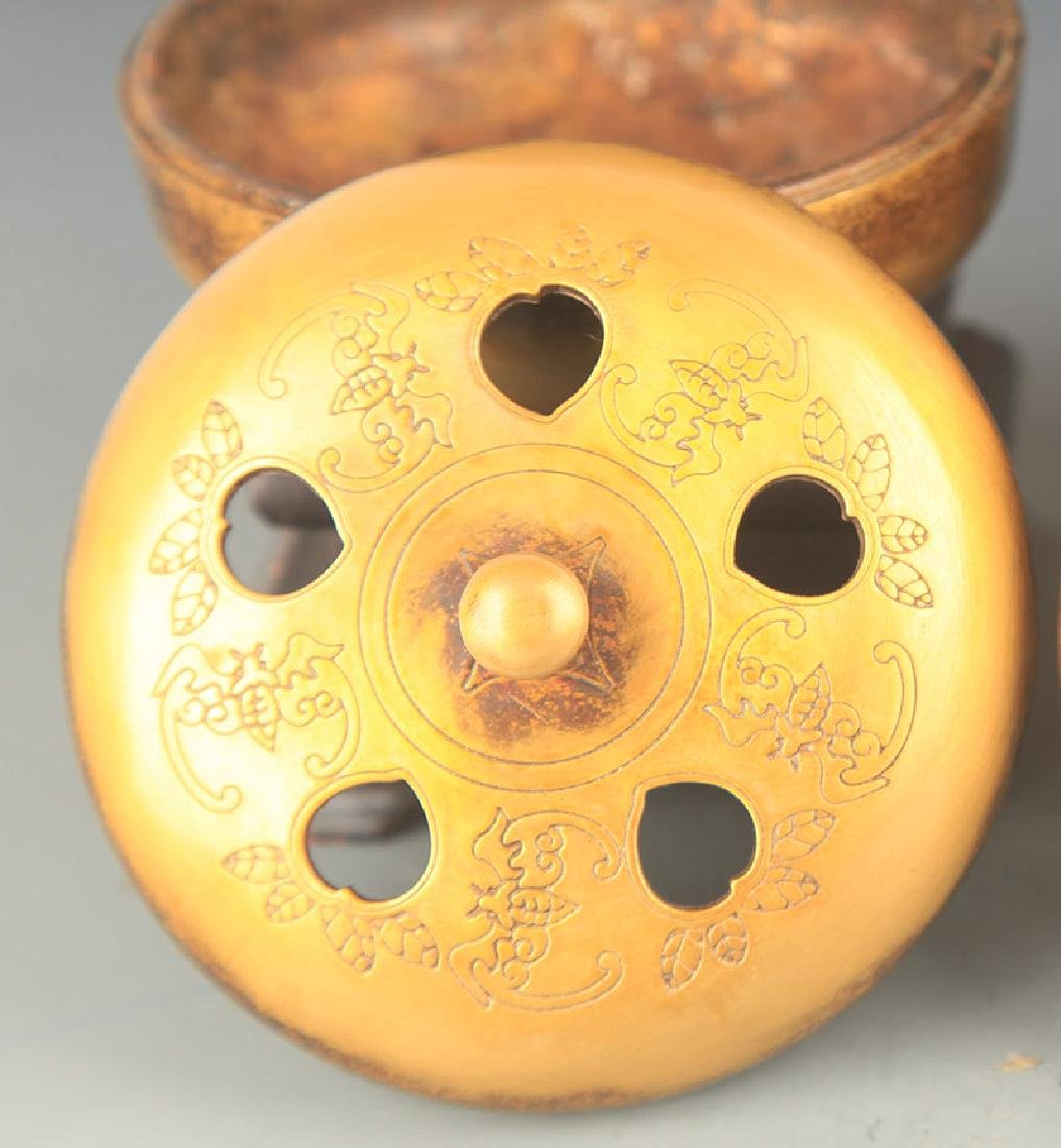 A FINELY CARVED ROUND BRONZE AROMATHERAPY - 3
