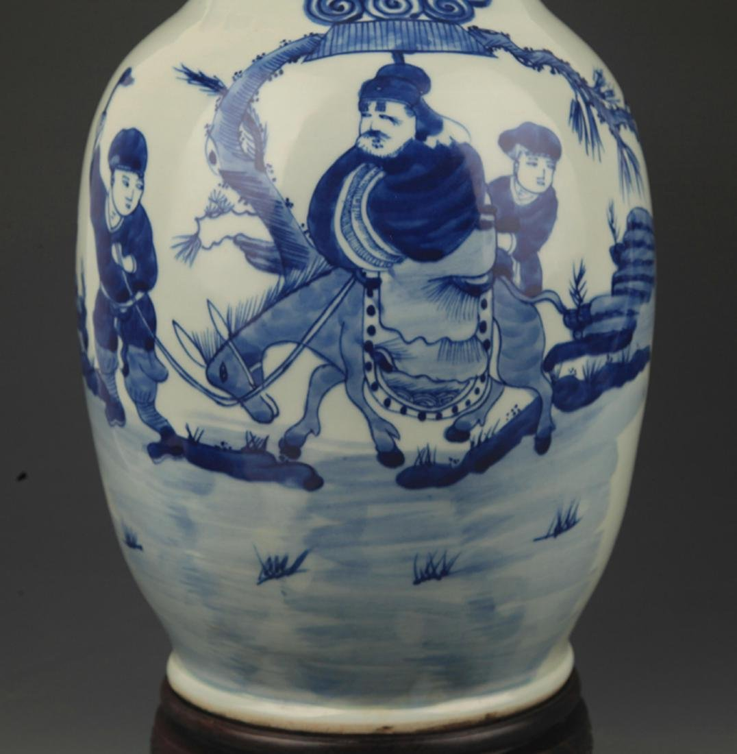 BLUE AND WHITE STORY PAINTED DOUBLE EAR PORCELAIN VASE - 3