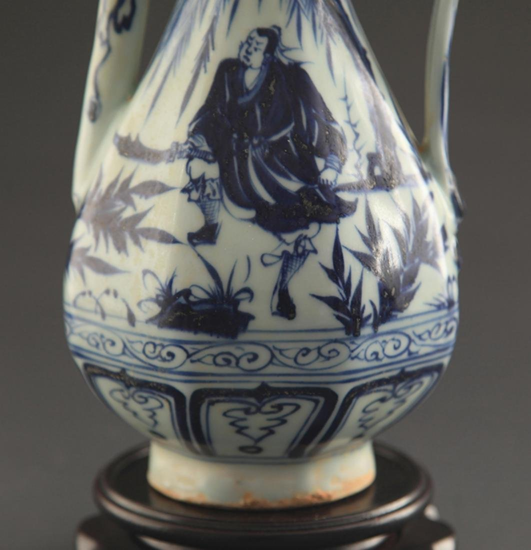 A BLUE AND WHITE FINELY PAINTED WATER JAR - 3