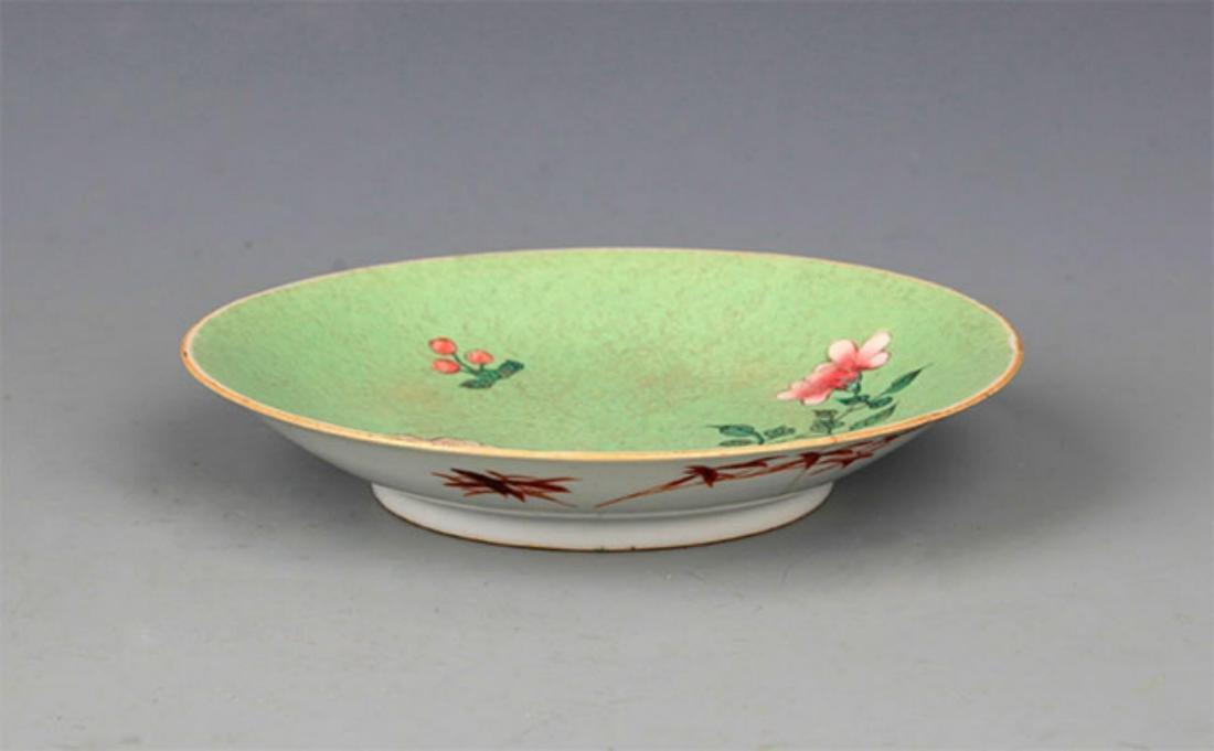 A FINE BLUE GLAZED FAMILLE-ROSE PORCELAIN PLATE - 3