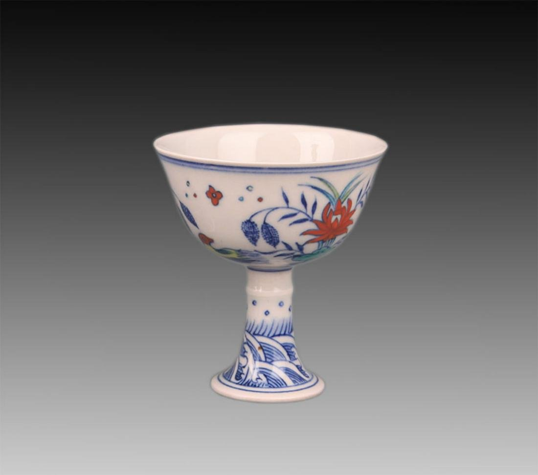 A HIGH FOOT DOUCAI COLOR CHICKEN CUP