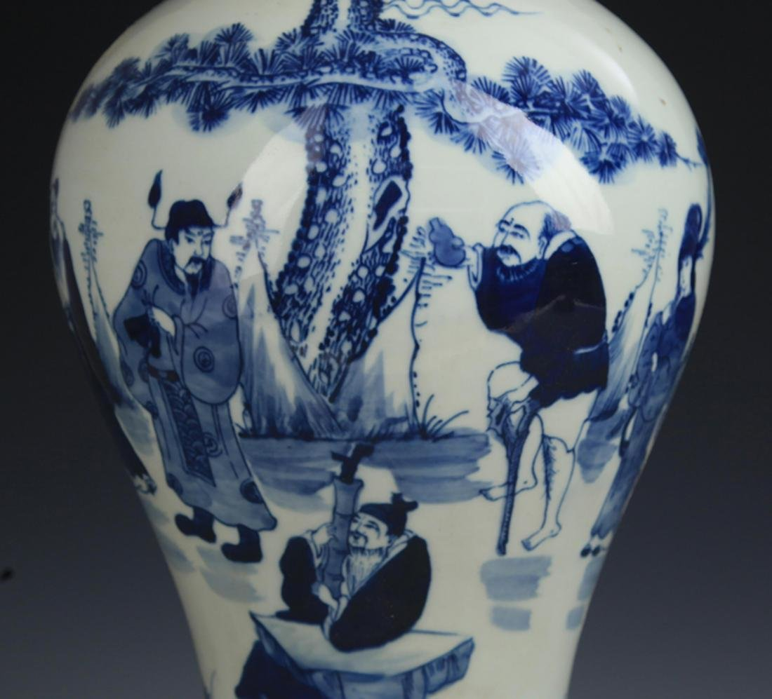 A BLUE AND WHITE STORY PAINTED GUAN YIN VASE - 3