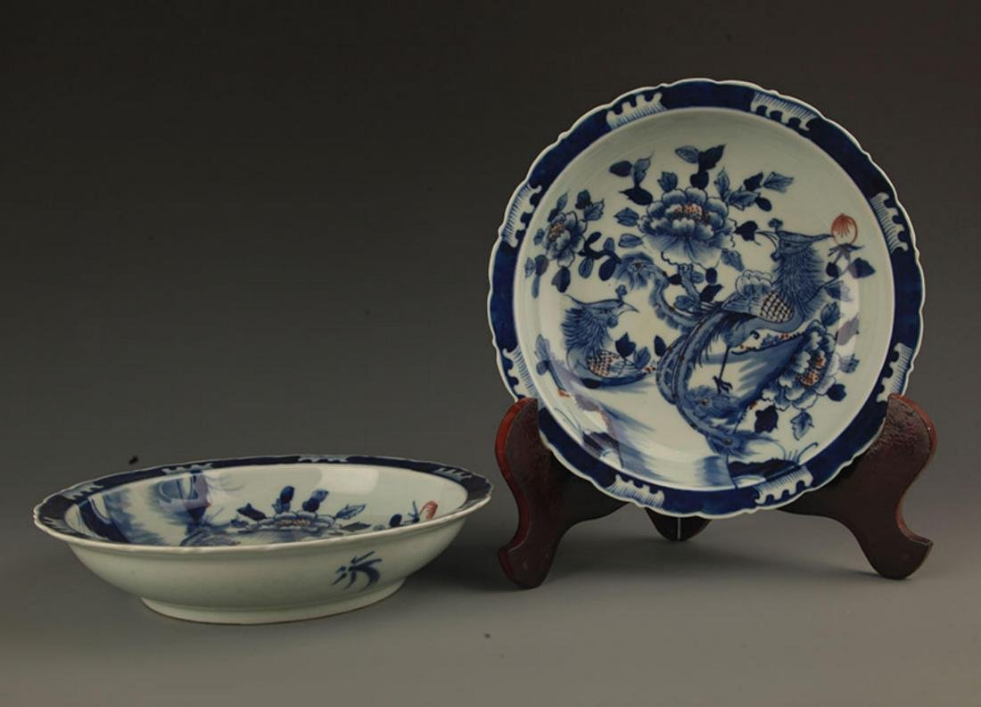 PAIR OF BLUE AND WHITE PAINTED PORCELAIN PLATE - 4
