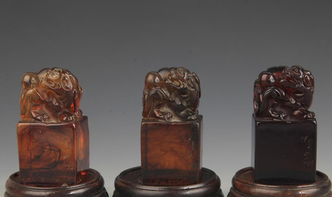 GROUP OF OPTIMIZE AMBER LION TOP SEAL